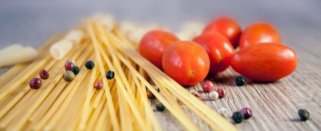 Eines der beliebtesten Hartweizennudelgerichte: Spaghetti mit Tomatensoße.