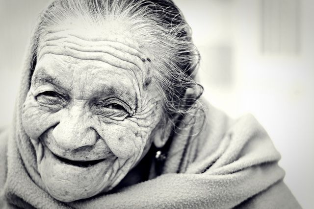 People who reach very old age are mostly satisfied with their lives.