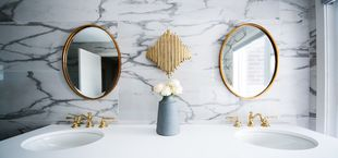how to clean mirrors