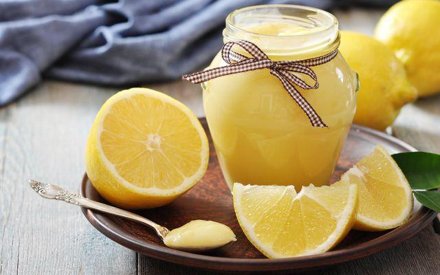 Lemon Curd kannst du in nur fünf Schritten zubereiten.