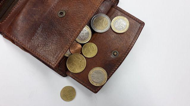 Wenn es mehr Rentner als Erwerbstätige gibt, wird das Geld in den Rentenkassen knapp.