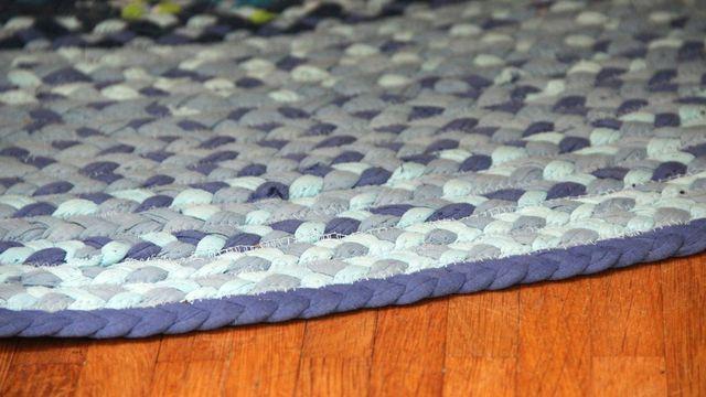 Textilband ist eine schöne Basis für Upcycling-Teppiche.