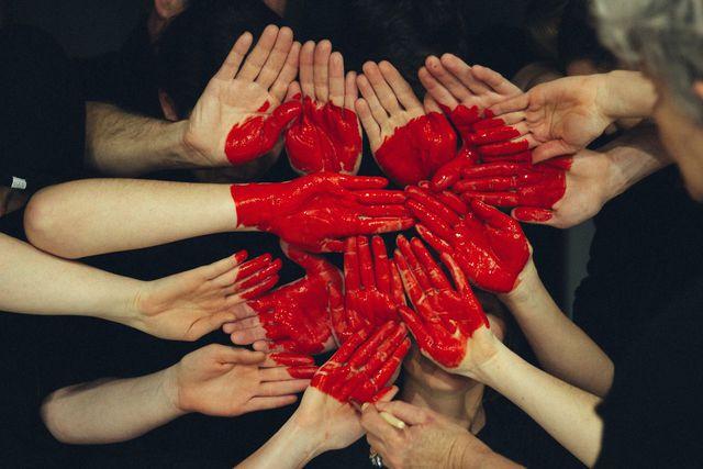 Altruistisches Verhalten ist die Basis einer Solidargemeinschaft.