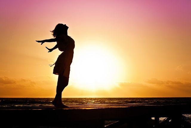 Um die Kundalini-Kraft zu aktivieren, müssen zunächst Körper, Geist und Herz gereinigt werden.