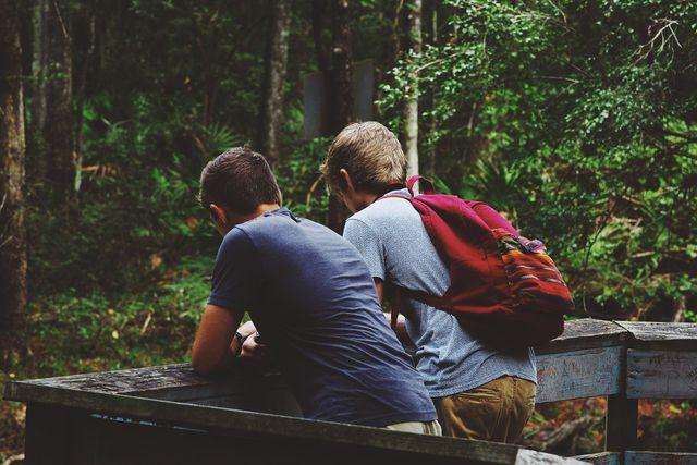 Gemeinsame Gespräche erleichtern das Beenden einer Freundschaft.