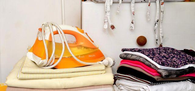 Bügeleisen entkalken: Wieso du Essig statt Zitronensäure