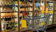 In vielen Supermärkten findest du unzählige vegane Süßigkeiten.