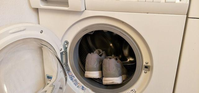 Turnschuhe waschen – so werden sie wieder sauber - Utopia.de