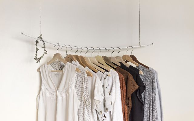 ho to clean your room: clean closet