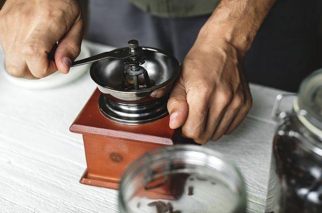 Handmühlen gibt es in allen Preisklassen.