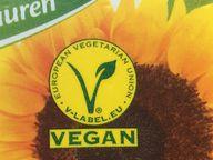 """Das """"V-Label"""" macht auf vegane Lebensmittel aufmerksam"""
