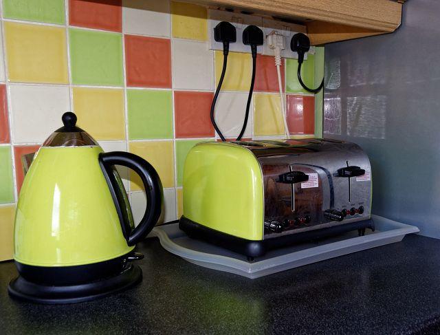 Brötchen aufbacken mit dem Toaster lohnt sich bei kleineren Mengen.