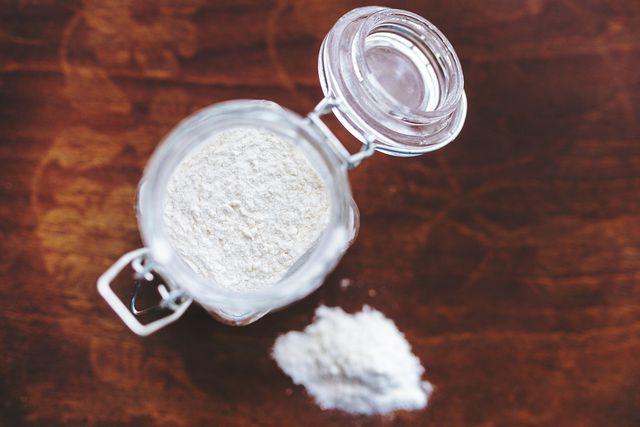 Resistente Stärke ist weiß, pulverförmig und geschmacksneutral.