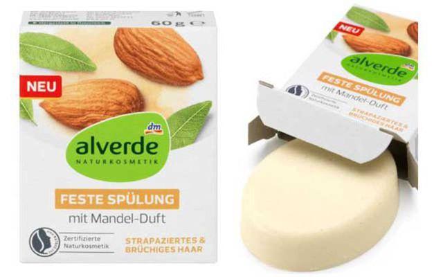 Die feste Haarspülung von Alverde (Dm) mit Mandelduft ist NATRUE-zertifiziert.