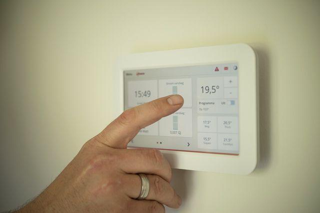 Mit einem modernen Thermostatventil lässt sich Energie sparen.