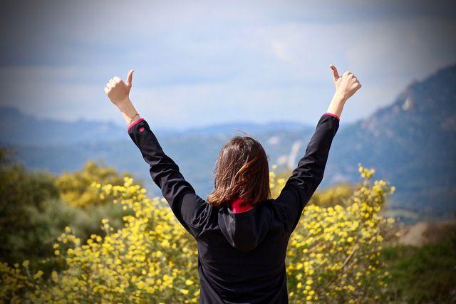 Positives Denken hat eine förderliche Wirkung auf unser Wohlbefinden und stärkt das Immunsystem.