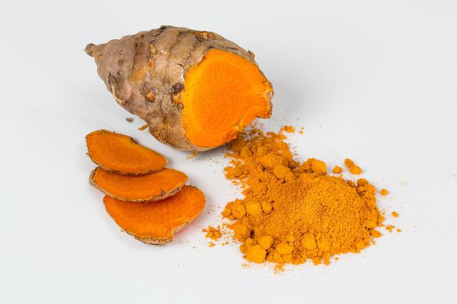 Ihre gelbe Farbe erhält Currypaste hauptsächlich durch Kurkuma.