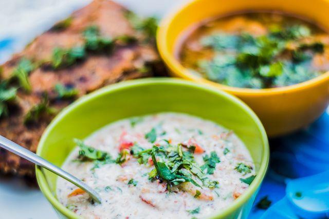 Raita wird zu vielen indischen Gerichten serviert.