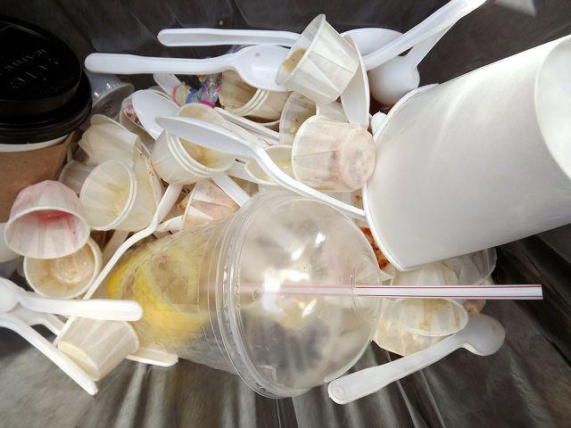Mit deinem Festival-Essen kannst du viel Müll sparen.