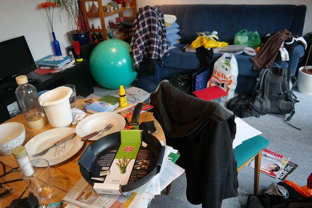 Zimmer aufräumen: Mit wenigen Tipps klappt es.