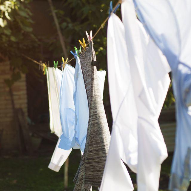 Auch im Winter kannst du deine Wäsche draußen trocknen.