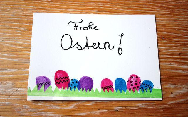Osterkarten basteln: Schritt 6 – Ostereier auf Blumenwiese