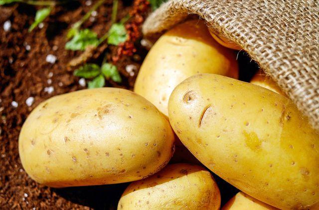 can you eat green potatoes