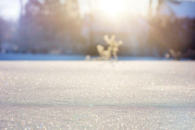 Auch mit Schnee kannst du deinen Teppich reinigen.