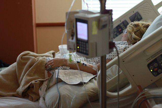 In Deutschland warten etwa 9.000 Patienten auf ein Spenderorgan.