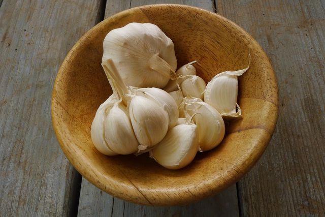 Vor allem die sekundären Pflanzenstoffe machen Knoblauch so gesund.