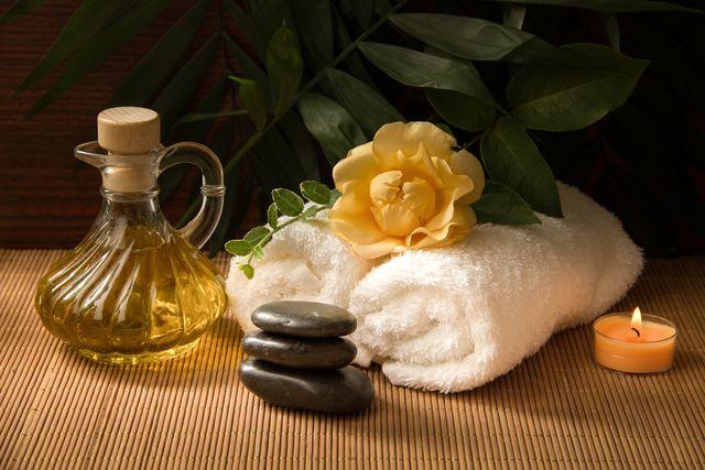 Massagen mit Senföl beleben.
