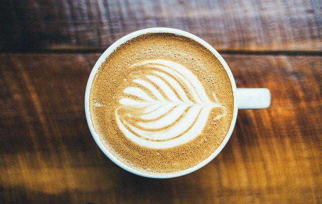 Gestalte deine Kaffeepause möglichst nachhaltig, zum Beispiel mit Bio-Kaffee.