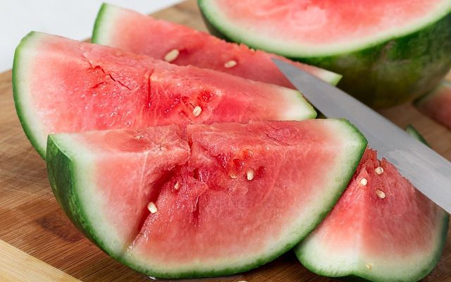 watermelon- tips to stay cool