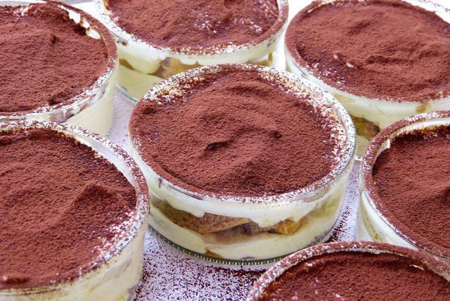 Trockenen Kuchen kannst du gut als Basis für Tiramisu verwenden.