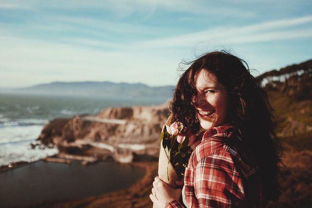 Lachen hilft, deine Stimmung zu heben.
