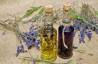 Lavendelöl ist vielseitig einsetzbar.