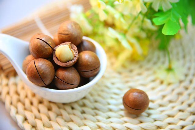 Aufgrund ihres exquisiten Geschmacks zählt die Macadamia-Nuss zu den teuersten Nusssorten weltweit.