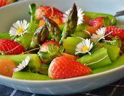 Spargel Erdbeer Salat