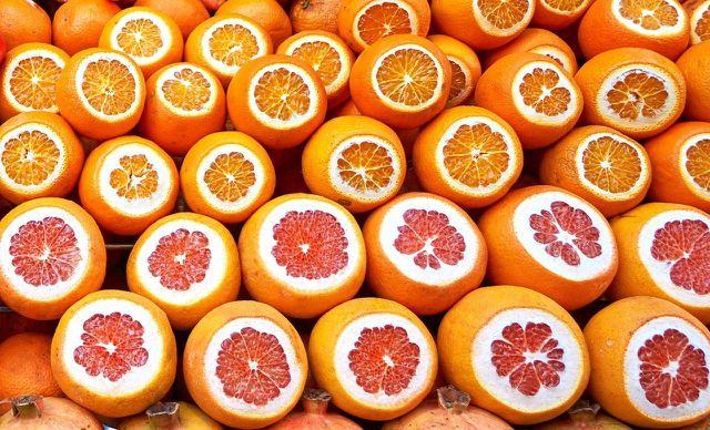 Zitrusfrüchte enthalten viel Vitamin C.