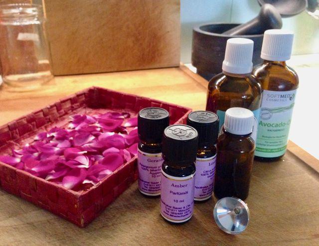 Zutaten für selbst gemachtes Parfum
