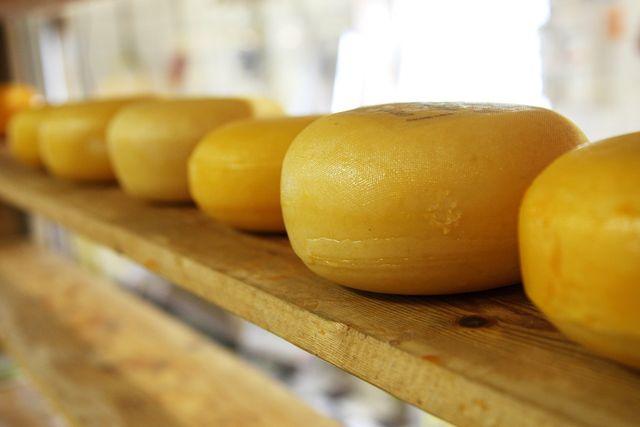 Beim Käsen sinkt der Laktosegehalt