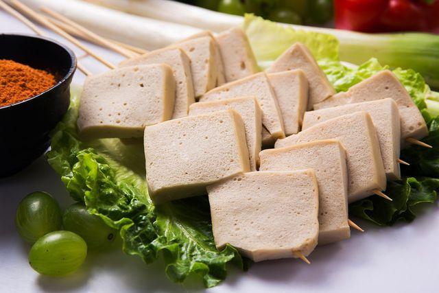 Tofu einzufrieren ist ganz einfach und hat mehrere Vorteile.