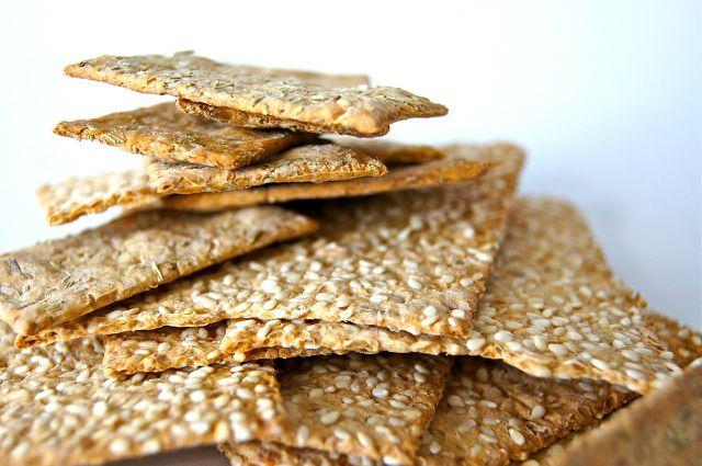 Kräcker sind eine gute Basis für FIngerfood-Rezepte.