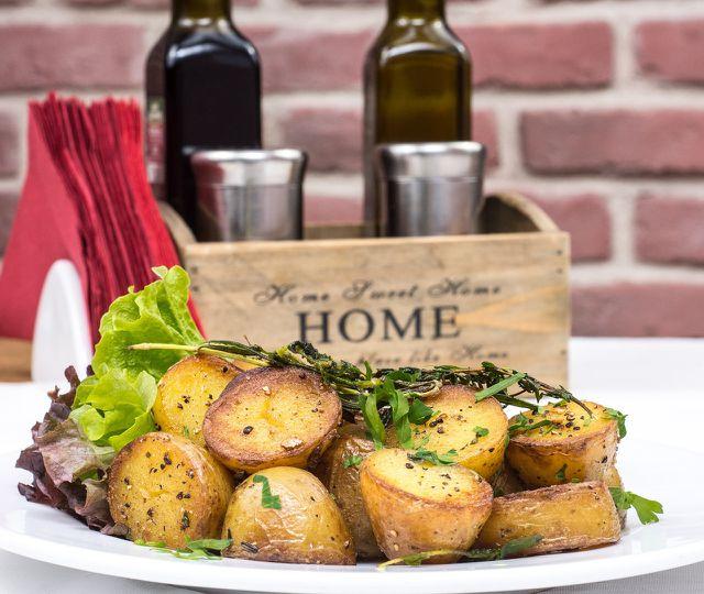 Kartoffelspalten sind gesund und einfach zuzubereiten.