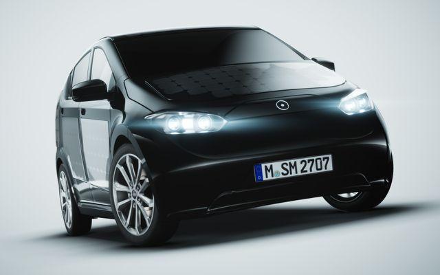 Technische Daten des Solarauto Sion: 16.000 Euro plus Batterie, 35-bis-45-kWh-Akku, bis zu 250 km reale Reichweite