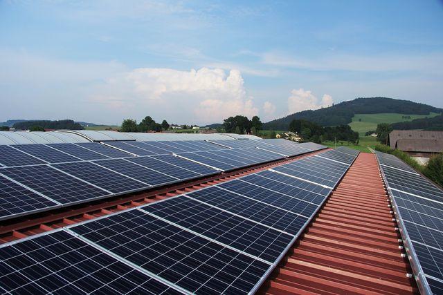 Photovoltaik sind in der Regel ein fester Bestandteil eines Nullenergiehauses.