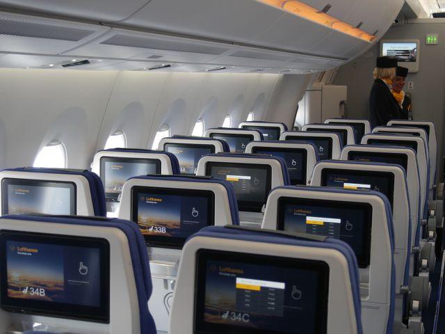 Der CO2-Ausstoß vom Flugzeug ist auch auf Kurzstrecken hoch.