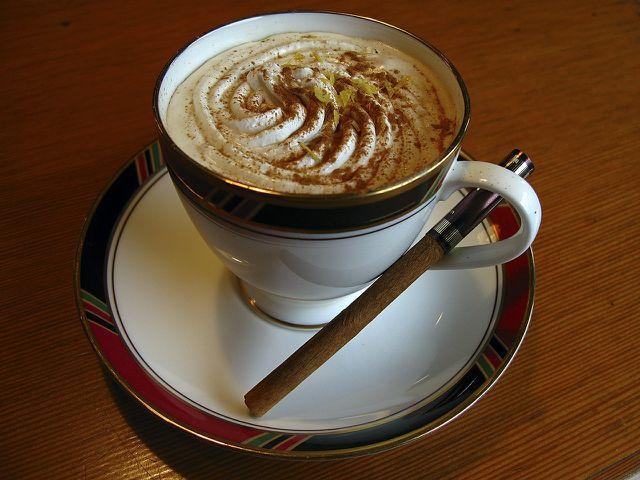 Ein halber Teelöffel Zimt pro Tag reicht um einen positiven Effekt hervorzurufen.