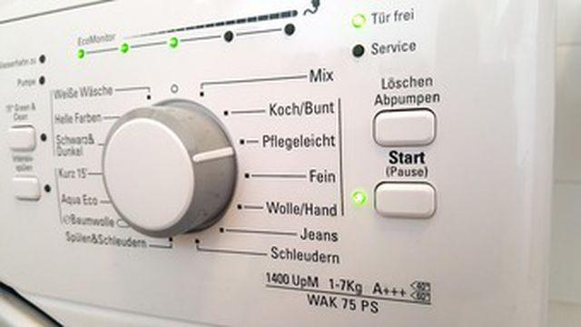 Stinkende Waschmaschine reinigen - so geht\'s mit Hausmitteln - Utopia.de