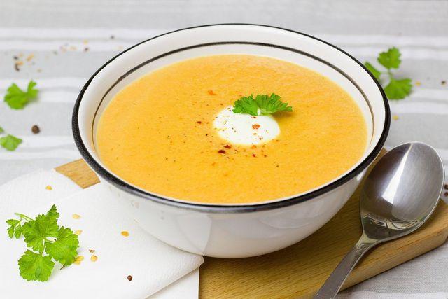 Gemüsecremesuppe lässt sich besonders gut einfrieren.